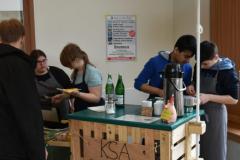 Unsere Catering-Schülerfirma bewirtet auch Gäste